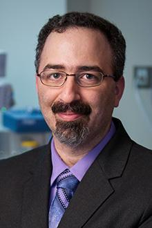 Gilles Chiniara, directeur du Département d'anesthésiologie et de soins intensifs, Faculté de médecine, Université Laval
