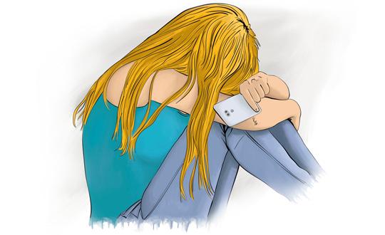 Jeune femme victime de harcèlement